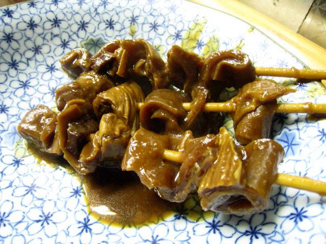 うの屋 どて焼き メチャメチャ旨い! 赤味噌のどて焼きで、濃厚な味付けで美味しい! 関西では珍し