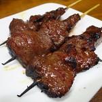 千日前 『Kushi Victory(クシ ビクトリー)』 リーズナブルな値段で牛ホルモン串が食べれます。