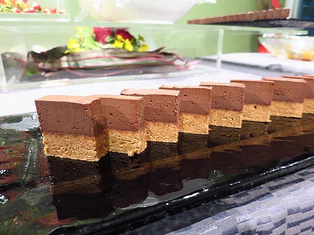 ソー・テーブル・コウベ ゼロサンサンゼロ チョコレートケーキ
