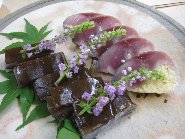 鮃の龍皮昆布押し・鯖卯の花寿司