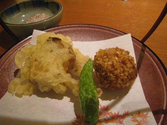 「舞茸天ぷら」と「男爵イモそばあられ揚げ」