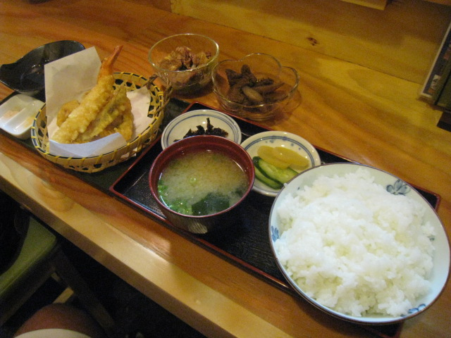 小鉢と天ぷらのご飯セット