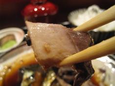 トロ鯖 箸持ち