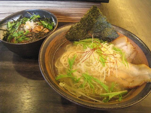 塩ラーメン+チャーシュー丼セット 850円