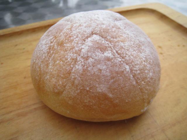激うまクリームパン 2