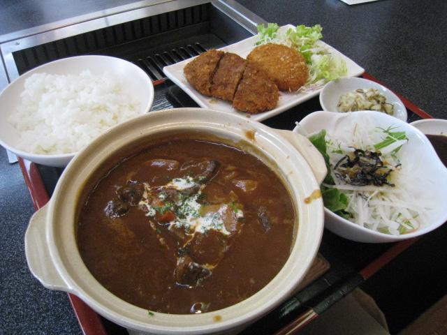 ビーフシチュー定食+牛太コロッケ+ミンチカツ 900+100+130=1130円