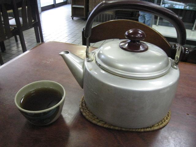 やかんのお茶