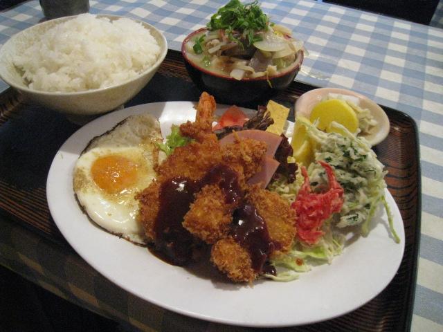 豚汁ミニ定食 盛合せ付 700円
