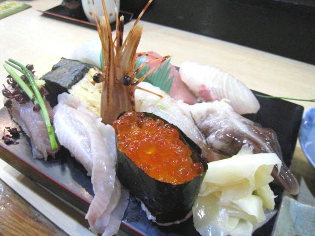 あつ賀 お寿司盛り合わせ