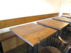店中 テーブル