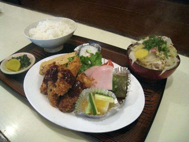 豚汁(ミニ)定食 カキフライ付 750円