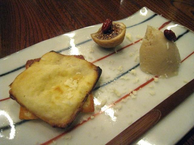 デザート盛り合わせ(蘇、干しイチジク、栗のアイスクリーム)