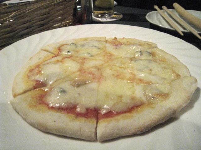 三種のチーズピザ @1365