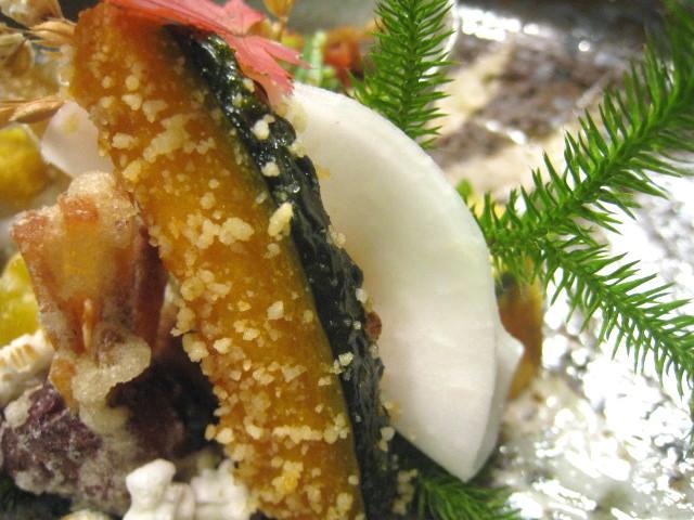 冬至にちなんだ、南瓜の醍醐まぶし、柚子味噌を挟んだ蕪(かぶら)