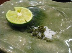 揚げ物 マルドンの結晶塩と刻み実山椒