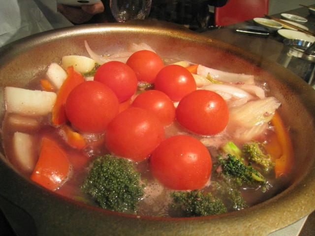赤ワイン鍋 野菜挿入