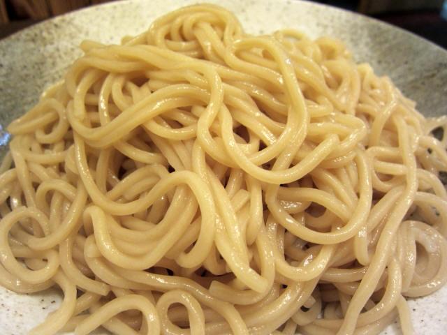酒粕仕立ての白味噌つけ麺 麺アップ
