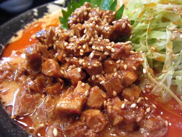 燻製風味の塩冷やし坦々麺 角切燻製チャーシューアップ
