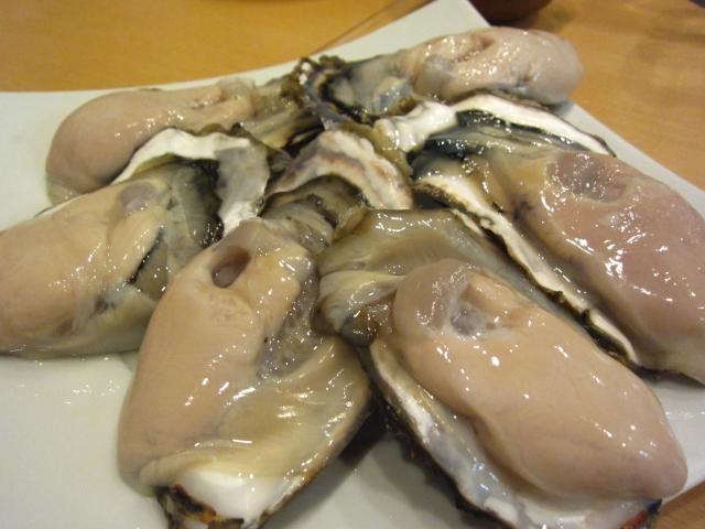 生牡蠣 1個240円