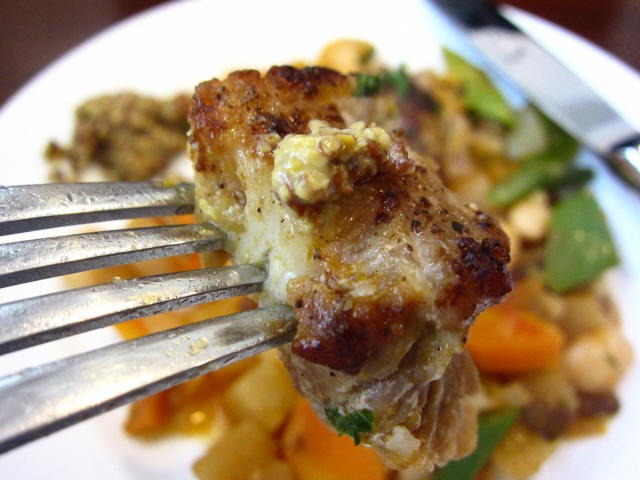 """豚バラ肉のガルビュール""""野菜と豆のスープ"""" 豚バラフォーク持ち"""