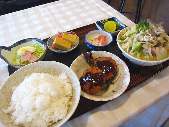 豚汁(中)定食 550円