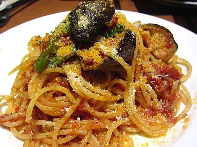 スパゲティ なすとトマト