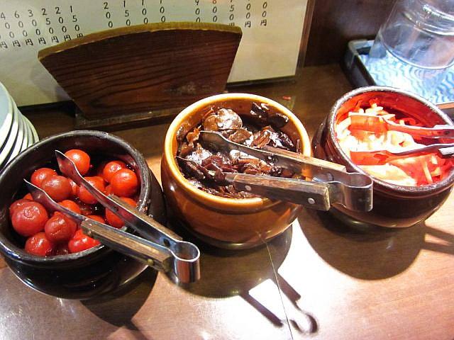 梅、ニンニク醤油漬け、紅生姜