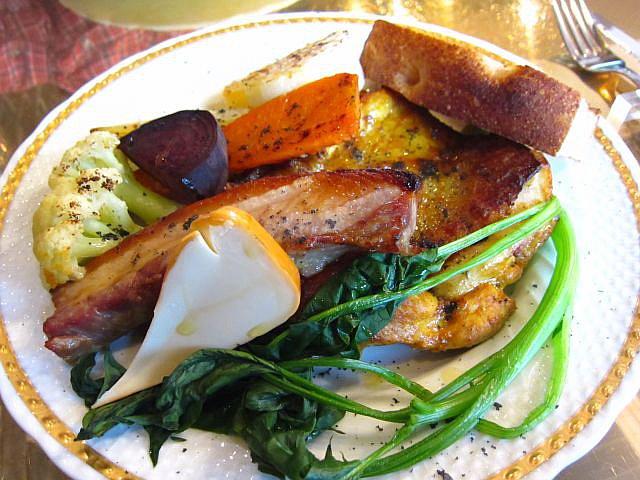 タンドリーチキン&無菌豚のばら肉スモークチーズ 2300円