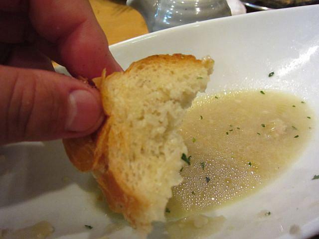 牡蠣の白ワイン蒸し(2個入) フランスパン 手持ち