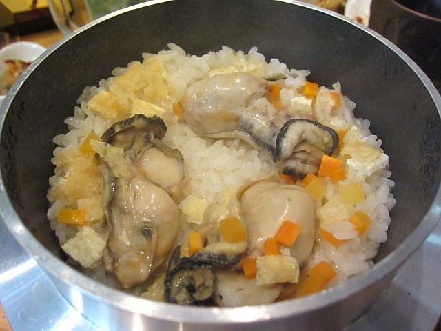 牡蠣の釜飯 出来上がり