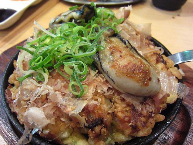 牡蠣のお好み焼き 1100円