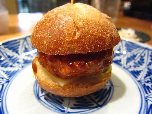 淡海地鶏ハンバーガー