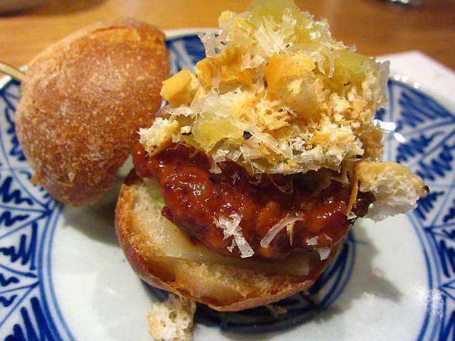 淡海地鶏ハンバーガー 脂サンド