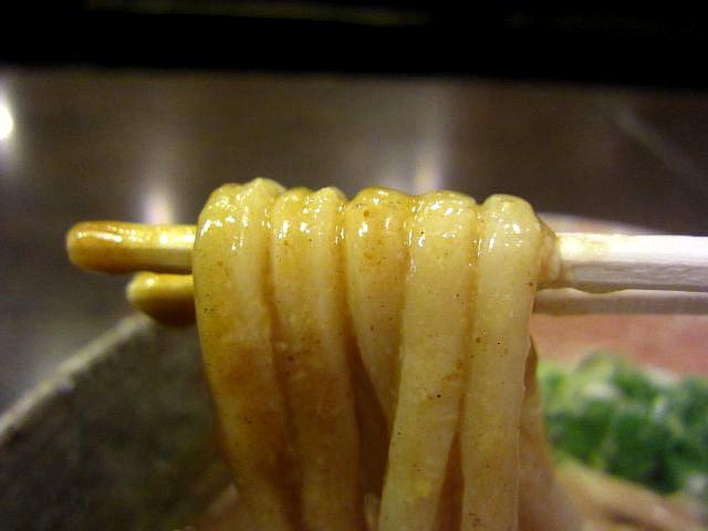 カレー釜玉 麺あげ2