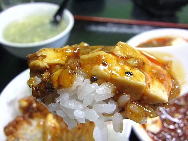 マーボ-豆腐 スプン持ち2