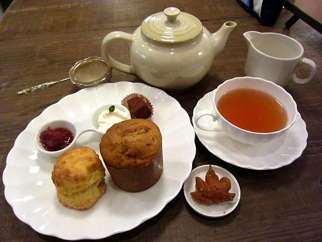 紅茶やSet 950円