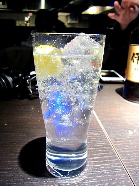 OYSTER HOUSE YAMATO 炭酸水レモン入れ