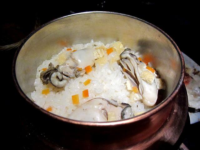 OYSTER HOUSE YAMATO 牡蠣の釜飯 980円
