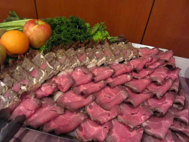 猪肉のローストやパテ