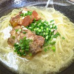 宮古島 ランチ 『なかやすみ商店』 鶏宮古そばと鶏ソーキそばがウルトラメチャ旨い!
