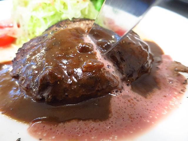 洋食うめの ビーフハンバーグステーキ 肉汁