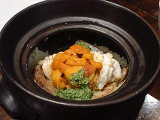 築漸 (ちくざん) 雲丹と鯛の土鍋ご飯