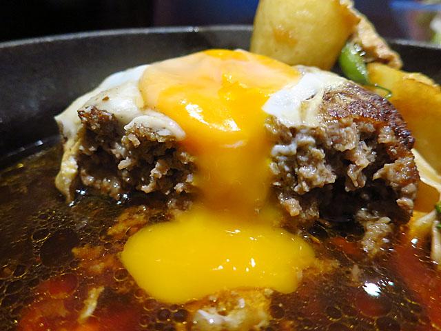 洋食Matsushita ハンバーグステーキ断面