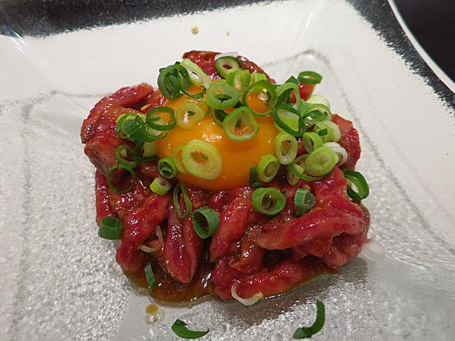 焼肉No.1 レアステーキユッケ