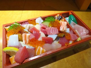 まんパク in 万博2017 宝石箱のような海鮮ちらし寿司