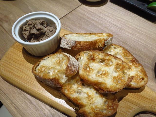 トリサチ(TORISACHI) レバーパテ かりかりフランスパン添え