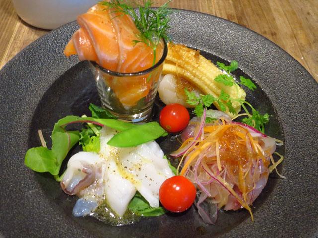 野菜と…ビストロ Baarm(バーム)鮮魚のカルパッチョ盛合せ