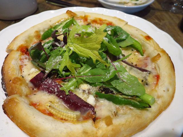 野菜と…ビストロ Baarm(バーム)旬野菜だらけピザ