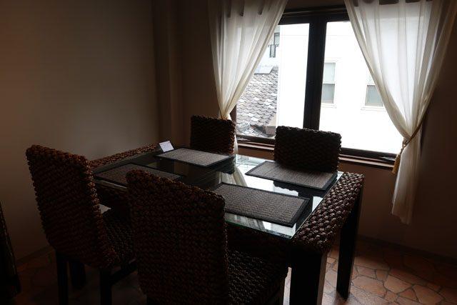 アジアンキッチン ルーナ 2階テーブル席