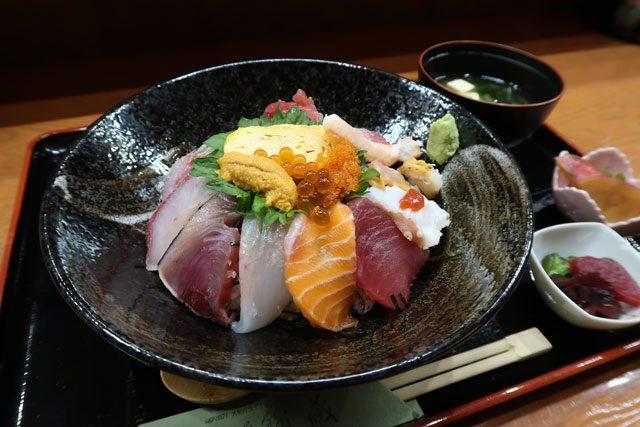 錦蔵 (きんぞう) 海鮮丼